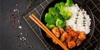 Gebratener Reis mit Asiagemüse und Hühnchen