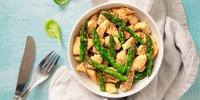 Hähnchen-Gemüse-Pfanne mit Spargel