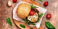 Avocado-Auberginen-Tomaten-Burger