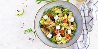Nudelsalat nach mediterraner Art
