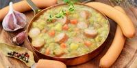 Suppeneintopf mit Kohlrabi und Mett-Wurst