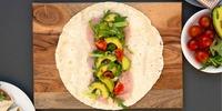 Schinken-Avocado Omelett Wrap