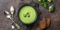 Proteinhaltige Brokkoli-Käse Suppe