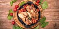 Hähnchenbrust mit Gemüse und Mozzarella