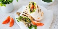 Wrap mit scharfem Tofu und Gemüse