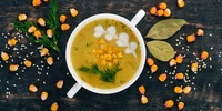 Blumenkohl-Kokos-Cremesuppe mit Mais