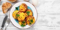 Eiermuffins mit Paprika und Speckrand