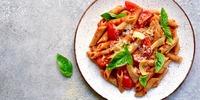 Penne mit Tomaten-Pilz-Sauce