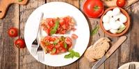 Klassiche Bruschetta mit Tomaten