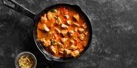 Kokos-Curry-Pfanne mit Süßkartoffeln und Putenbrust