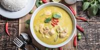 Curry- Blumenkohl-Suppe mit Hähnchenstreifen