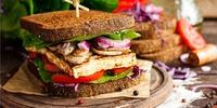 Power Sandwich mit Räuchertofu