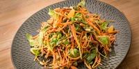 Möhren-Rucola Salat mit Mandelpesto